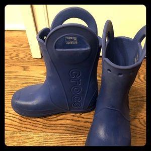 Kids croc boots size 1 blue